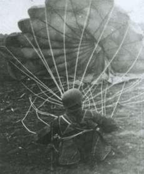 Българските военни парашутисти поставят 11 световни рекорда